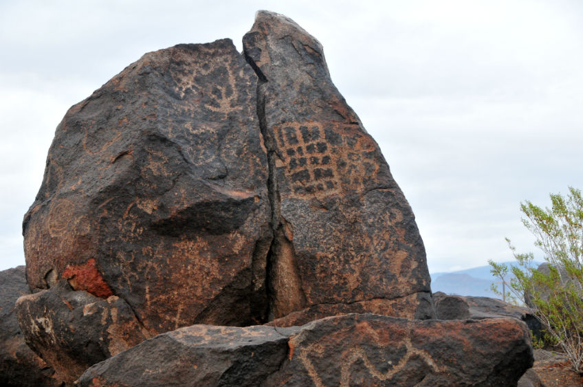 Painted-Rock-Petroglyph-Site